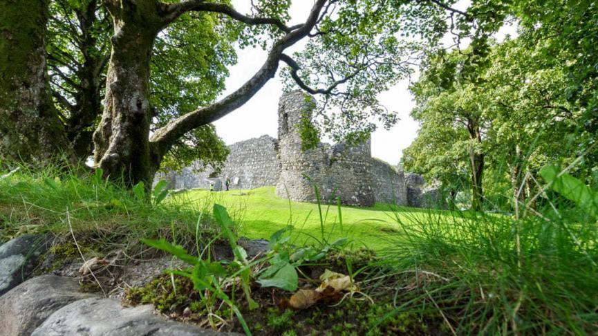Old Inverlochy Castle in Fort William, Schottland aus dem 13. Jahrhundert